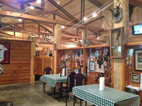 Bonnerdale, AR: Cool sports memorabilia in the bar area..