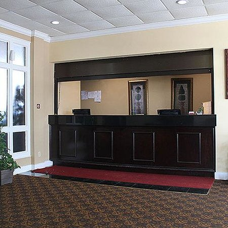 Magnuson Hotel Florence Lobby