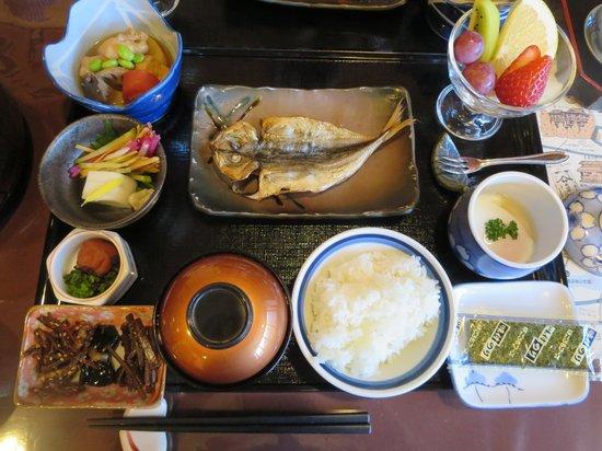 Tsutaya: 朝食