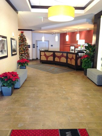 Hampton Inn & Suites Madison Downtown : Check-in Desk