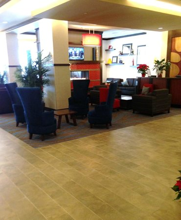 Hampton Inn & Suites Madison Downtown : Lobby