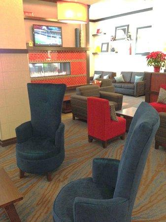 Hampton Inn & Suites Madison Downtown : Lobby