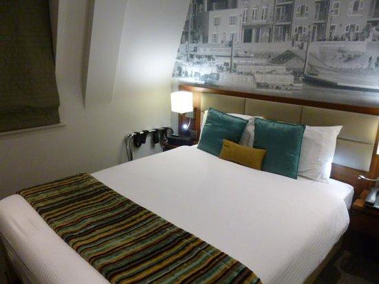 Best Western Plus Seraphine Hammersmith Hotel: ベッド
