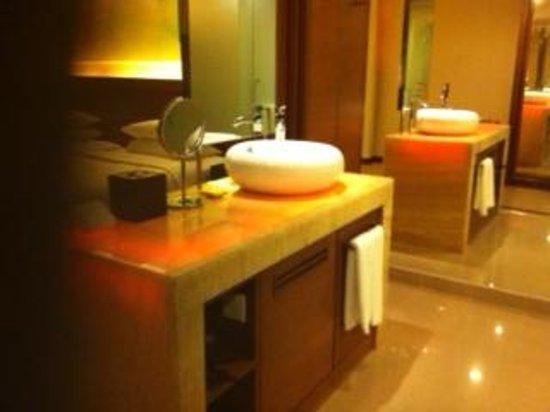 Hyatt Regency Kinabalu: 洗面台