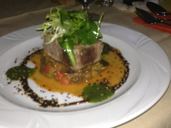 Le Ti Bouchon : Grilled Fresh Tuna
