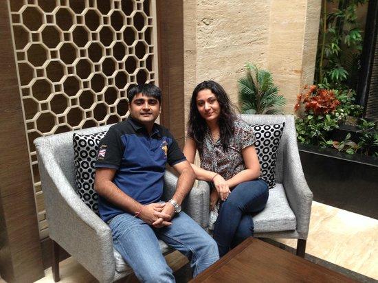 Leisure Inn Grand Chanakya: Hotel seating lounge near reception