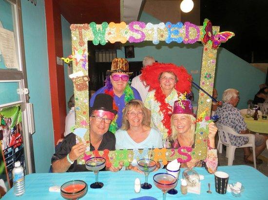 Twisted Mama's Restaurant & Bar : Rocking at Twisted Mama's