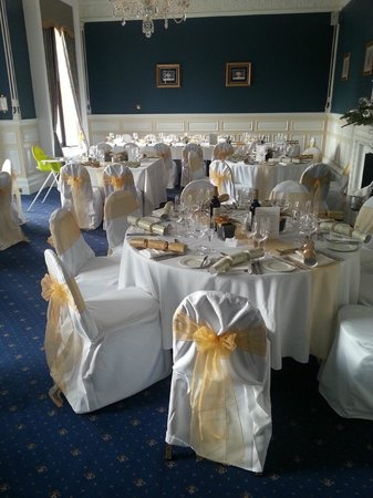 Audleys Wood Hotel: The decorated function room for lunch guests!