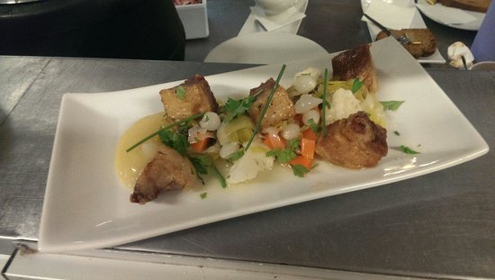 Bia : Pork Belly Bites with Pickled Veg and apple puree