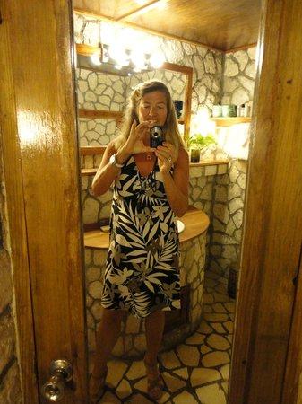 Rockhouse Hotel: bathroom