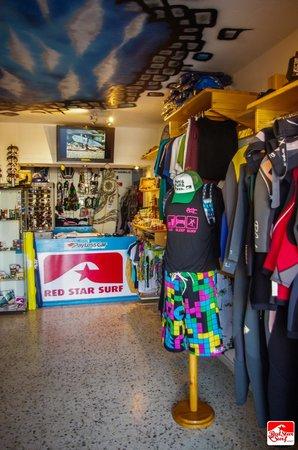 Red Star Surf & Yoga Camp: Surf Shop