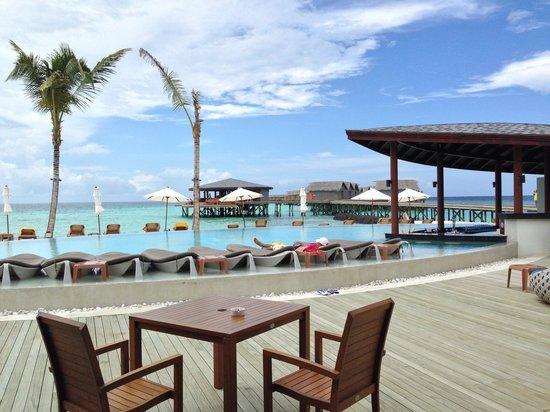 Centara Ras Fushi Resort & Spa Maldives: Pool