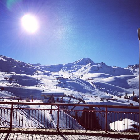 Belambra Clubs - L'Aiguille Rouge : Own photo from hotel bar! Beautiful x