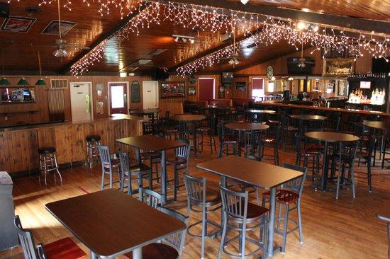 Semento's Napoli Cafe : Main Bar Room
