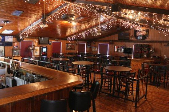 Semento's Napoli Cafe: Main Bar Room