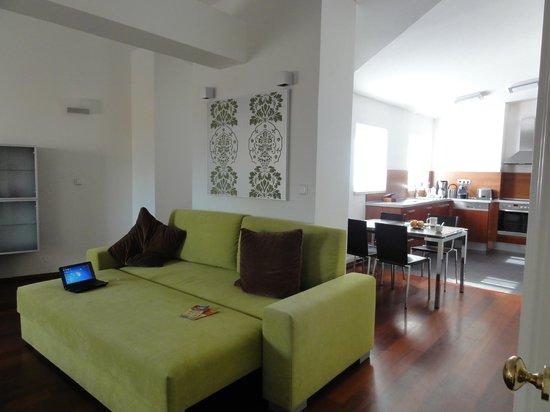 Residence Karolina - Prague City Apartments : Гостиная, столовая и кухня