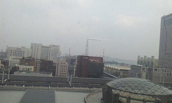 Station Hotel Kokura: 部屋からのながめ 10階