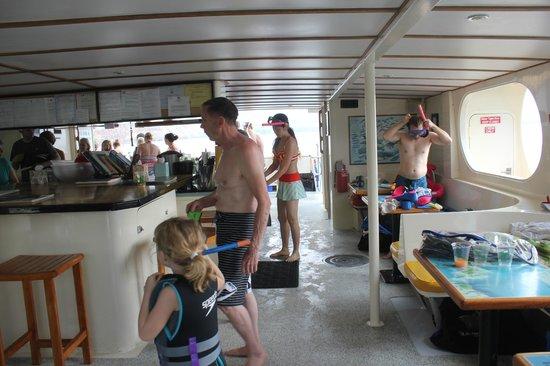 Fair Wind Big Island Ocean Guides : main deck/bar area
