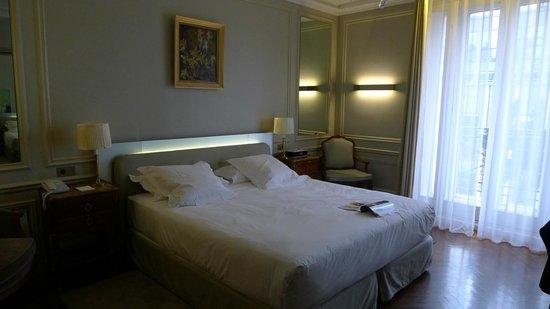 Hotel Lancaster Paris Champs-Elysees: Room
