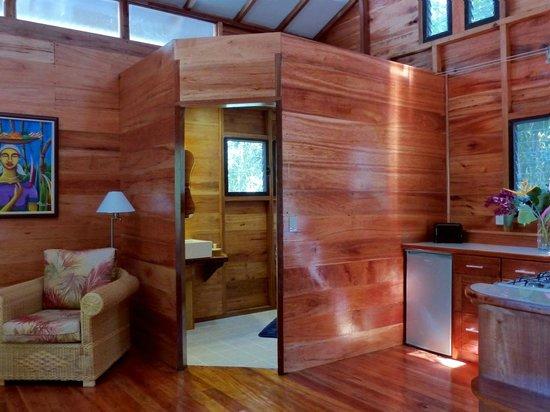 Vanilla Hills Lodge : kitchen area Cabin Orchid