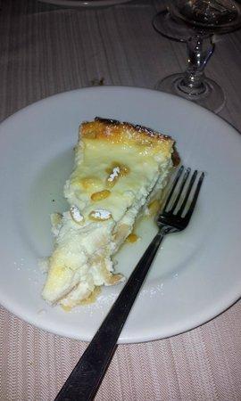 Piacere Molise : torta ricotta di bufala,mele e pinoli