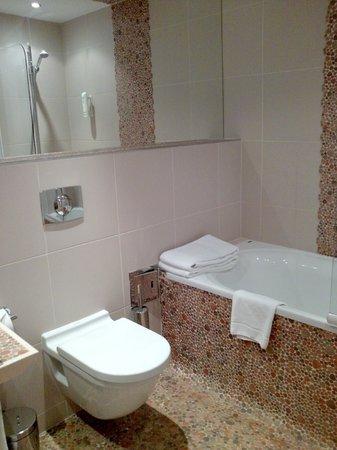 Mamaison Residence Diana Warsaw: bathroom