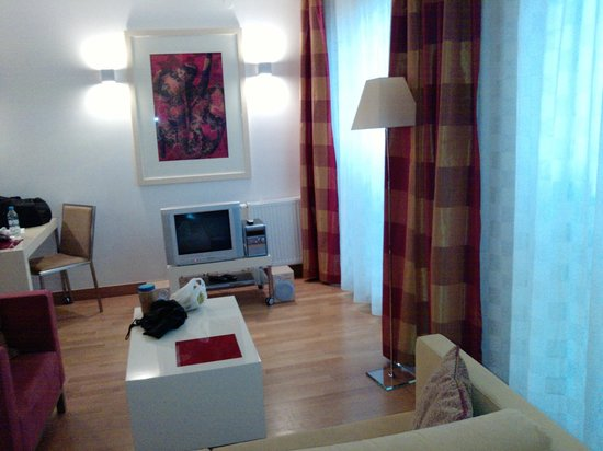 Mamaison Residence Diana Warsaw : living room area