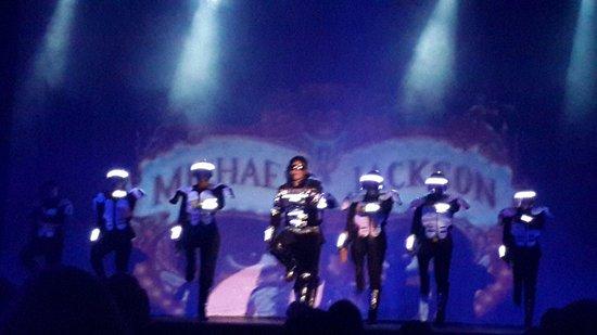 GR Solaris Cancun : En el show de Michael Jackson