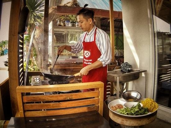 Sandwich Me : Pinyo (Oli) - the Chef
