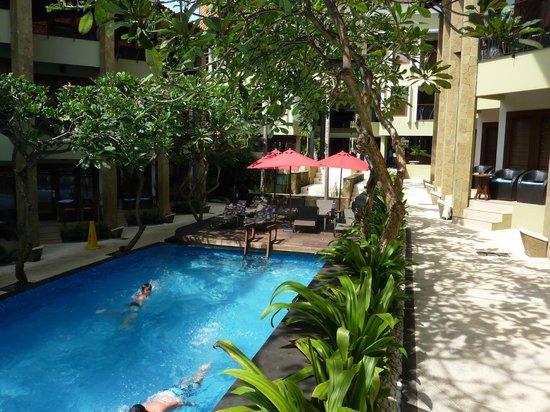 All Seasons Legian Bali : Pool View