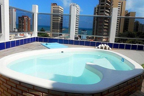 Hotel Casa de Praia: Piscina com hidro