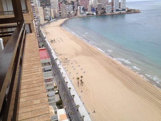 Apartamentos Les Dunes Suites: view from 22nd floor