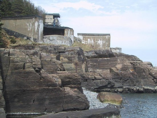 York Redoubt National Historic Site : The defences at the harbour