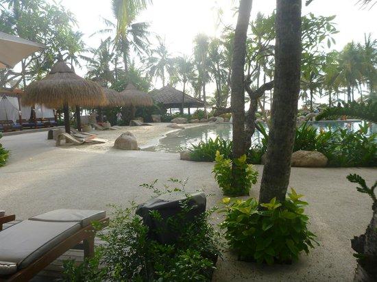 Bali Mandira Beach Resort & Spa: Great pool/family area