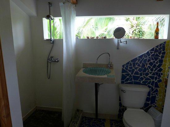 Hotel Pura Vida: Private bathroom (Room #5)