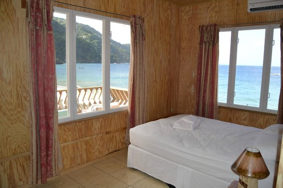Naturalist Beach Resort: Bedroom