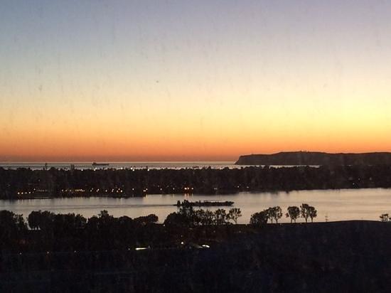 Omni San Diego Hotel : Sunset views each evening