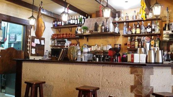 Bodeguita Canaria: Bar i første etasje