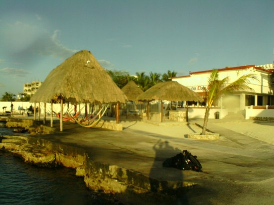 Scuba Club Cozumel: seaside view from returning boat