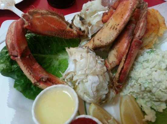 Crab Cooker Restaurant: Cracked crab--served hot or cold but you have to ASK