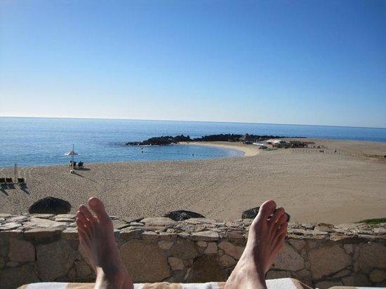 Hilton Los Cabos Beach & Golf Resort : Feet Photo overlooking the beach