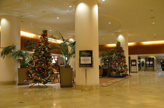 Fairmont The Queen Elizabeth: Lobby de l'hôtel