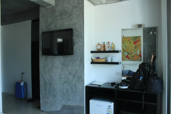 The Front Hotel and Apartments : beach front Room Amanities