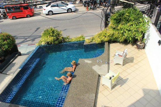 The Front Hotel and Apartments : hotel Pool