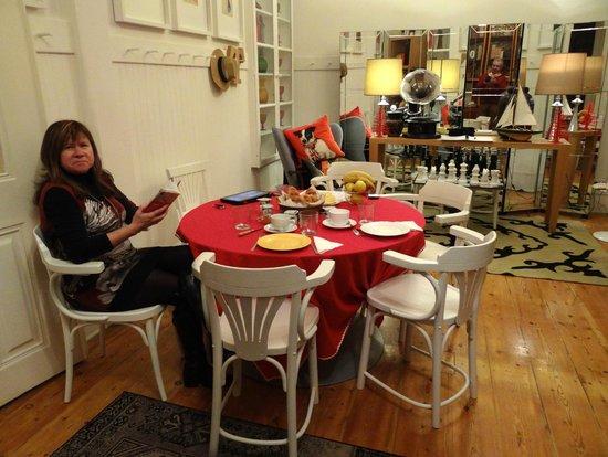Casa Oliver Principe Real : Salón donde leer, tomar un café o escuchar música