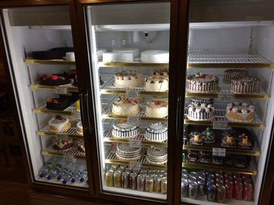 Island One Cafe & Bakery: Homemade full Cakes for sale