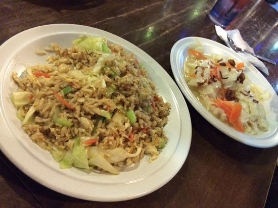 Island One Cafe & Bakery: Veges and rice are available and yum