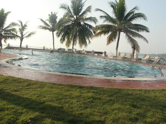 The World Backwaters : Pool and Lake