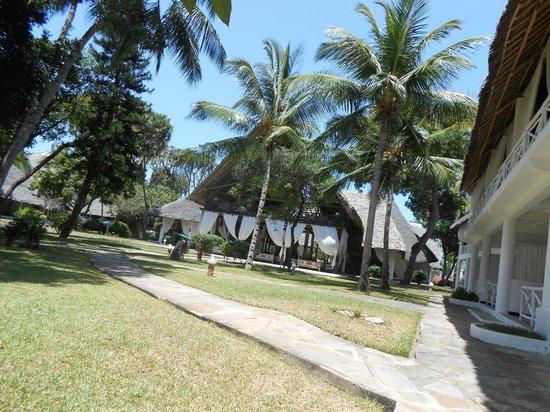 Sandies Tropical Village : Outside the Reception