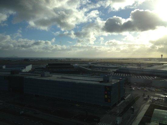 Clarion Hotel Copenhagen Airport: view from room - airport